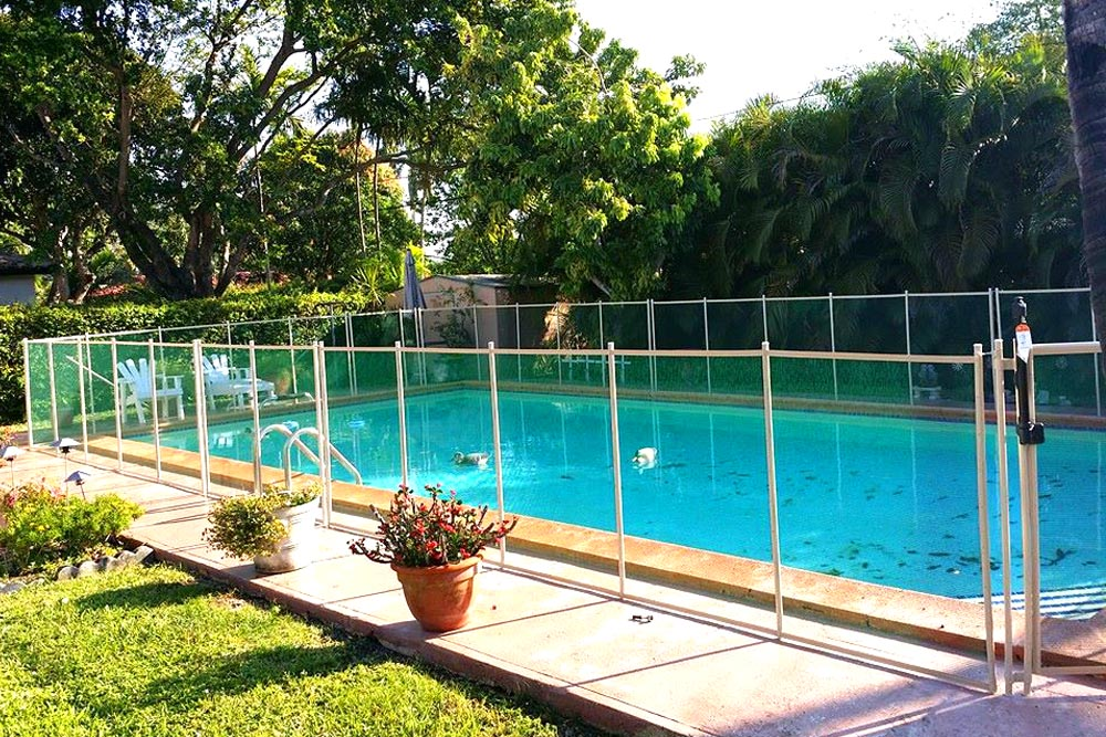 Green swimming pool fences baby guard fence